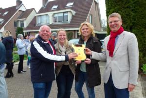 VAR NIEUWS Wijk Rietland volgt gezamenlijk reanimatie- en AED workshop