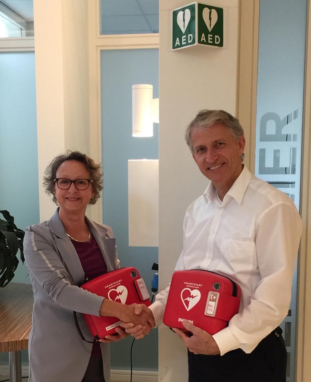 Weer twee AED's voor onze gemeente!
