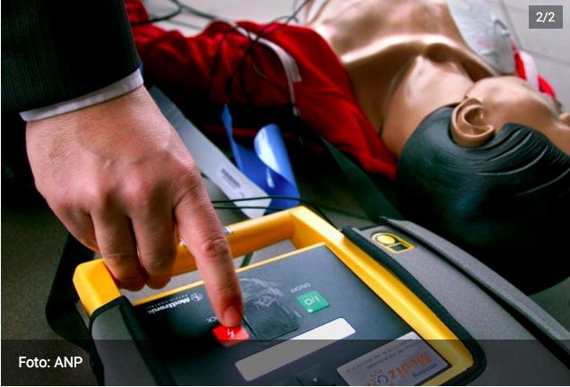 Stichting plaatst 50e AED in Stichtse Vecht