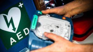 Defibrillator volgend jaar op elk treinstation